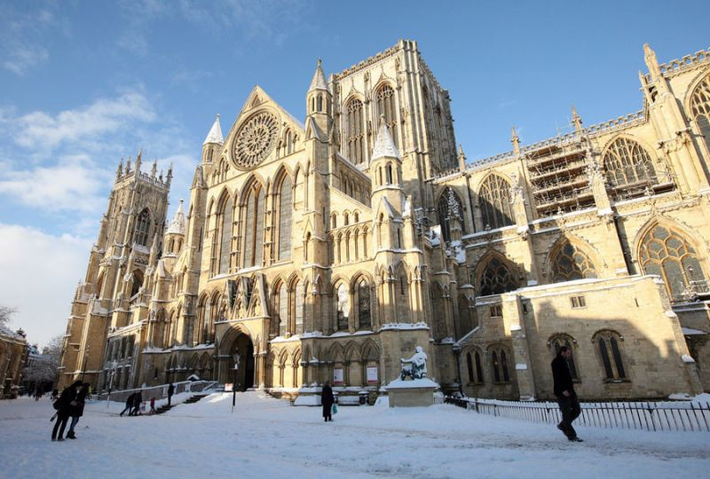 09 yorkminster snow